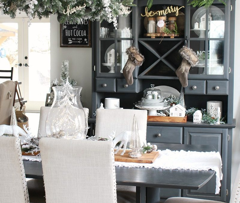 Christmas Dining Room Decor – Clean and Scentsible